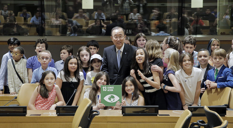 Photo: Secretary-General Ban Ki-moon discusses Climate Change (SDG 13) with Students at the UN headquarters in New York on 21 June 2016
