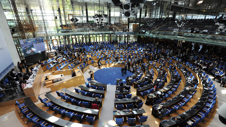 Photo: Negotiating chamber, Bonn. Credit: UNFCCC/Flickr