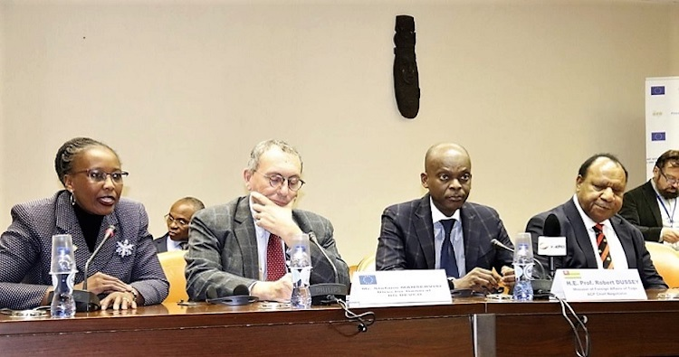 Photo (left to right): Ms. D. Walsweer-Sore, ACP Secretariat; Stefano Manservisi, European Commission's Director-General; Professor Robert Dussey, ACP Chief Negotiator; Rimnick Pato, Foreign Minister of Papua New Guinea.