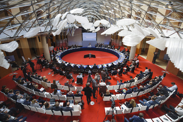 Photo: A view of the Petersberg Climate Dialogue. Copyright: BMUB | Thomas Trutschel