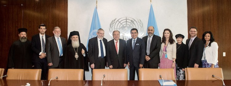 Photo: Religious Leaders from Israel and Palestine pose with UN Secretary-General António Guterres (6th from left) and UNAOC High Representative Nassir Abdulaziz Al-Nasser (6th from right). Credit UN Photo